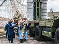 俄S400防空导弹进驻克里米亚