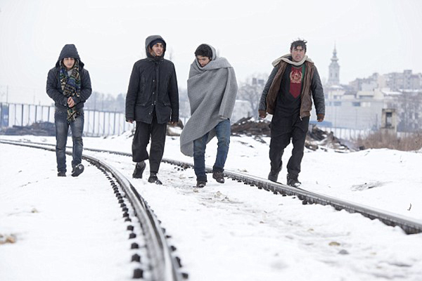 心酸!极地寒流加剧使塞尔维亚难民陷入困境