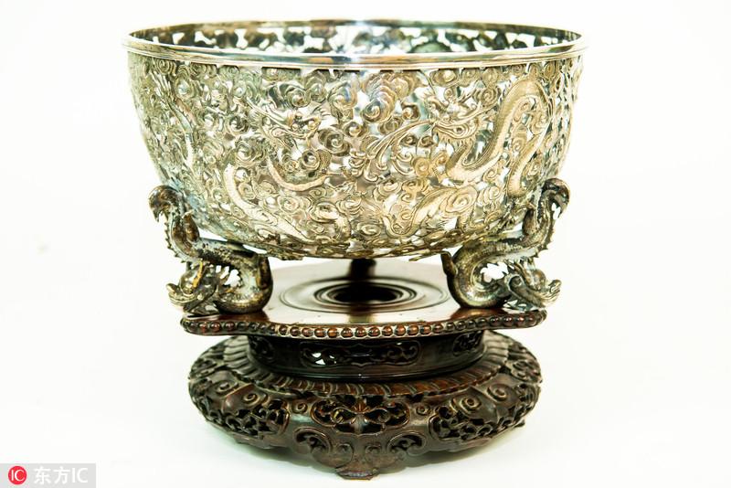 英国拍卖中国银碗 价值逾1万英镑
