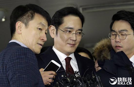 行贿总统闺蜜430亿韩元!三星掌门人越陷越深(图)