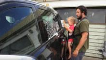 爸爸带娃系列:如何让宝宝帮你洗车