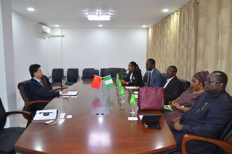 刘君胜领事会见尼日利亚-中国商会和UBA银行代表