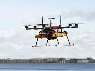 日尝试无人机救灾:空投救援物资 呼吁居民疏散