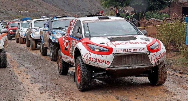 首辆电动汽车顺利完成达喀尔拉力赛