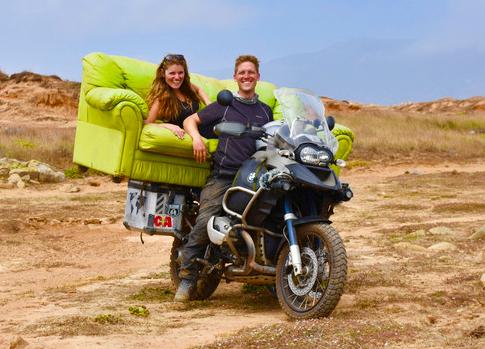 新婚夫妇蜜月旅行9个月 骑摩托游美洲
