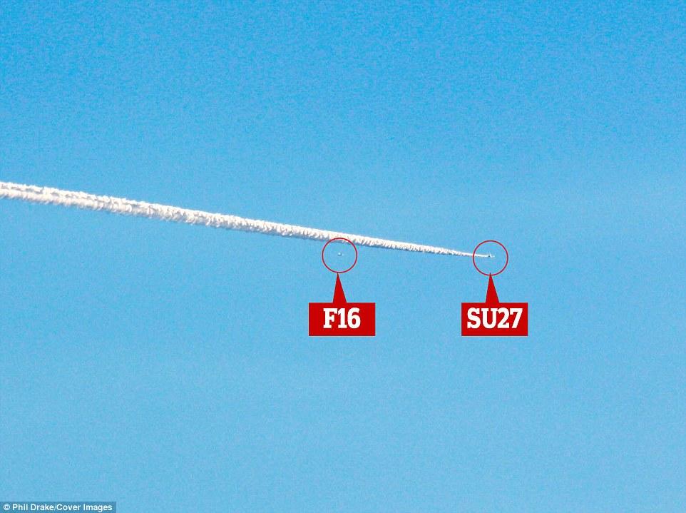 美俄战机现身秘密基地51区模拟空战照片曝光