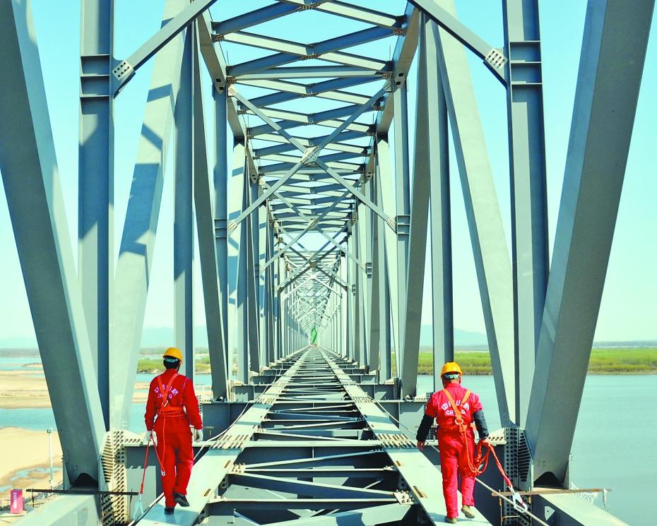 利用便捷交通培育竞争型跨国企业