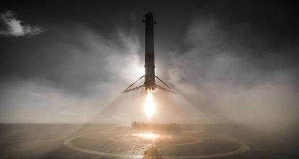 SpaceX晒出猎鹰9号成功着陆中拍得最好的照片