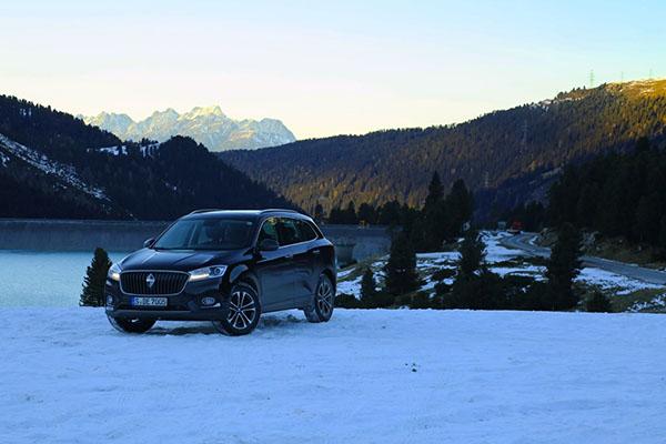 化身雪地背包客  宝沃BX7带你体验四轮滑雪