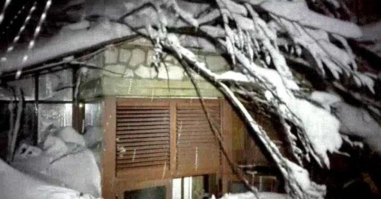 意大利中部一度假胜地发生雪崩 致3人失踪