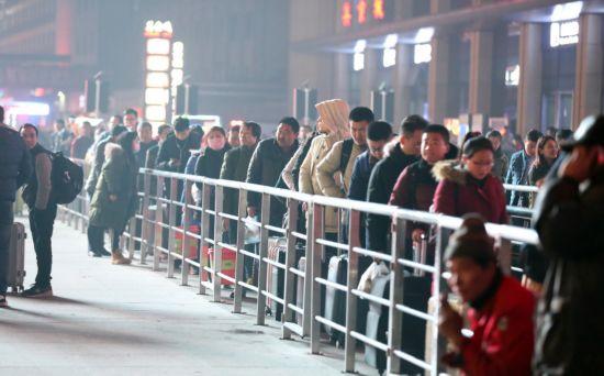360春运大数据:预计两成国人站着回家(图)