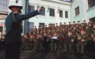 """越南""""红二代""""回忆俄罗斯红旗歌舞团"""