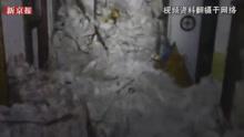 4层楼被埋到房顶 航拍意大利雪崩击中酒店