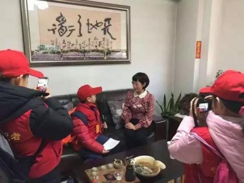 小记者采访黑龙江省政协委员