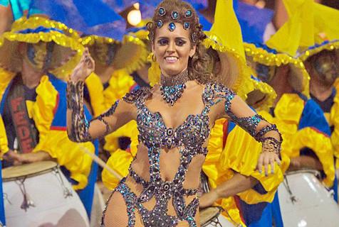 乌拉圭狂欢节开幕 美女演绎南美风情