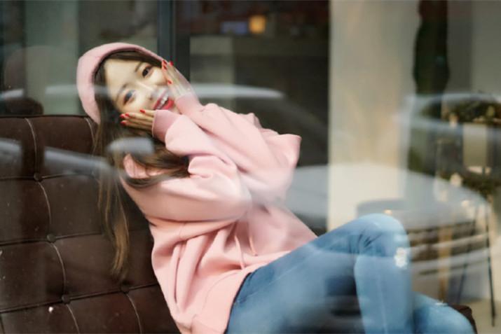 四川女孩任韩国某大学宣传大使 美照网络刷屏