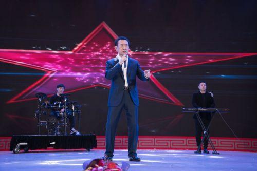 欧洲品牌专家点赞王健林跨界嗨歌 与奥巴马唱歌、扎克伯格表演并论