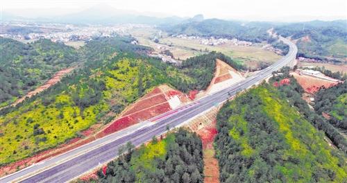 今年将新改建农村公路20万公里