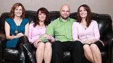 《扒神嗨评》三姐妹嫁一夫 共生24个孩子