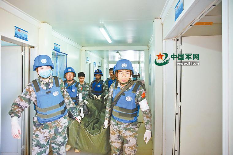 马里军营遭自杀袭击死伤惨重 中国维和部队驰援
