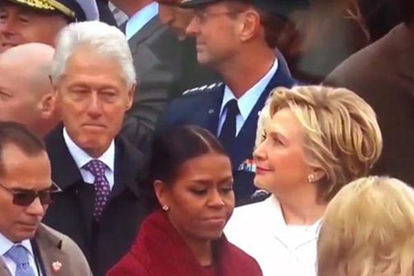 克林顿偷瞄特朗普女儿伊万卡 遭希拉里怒视