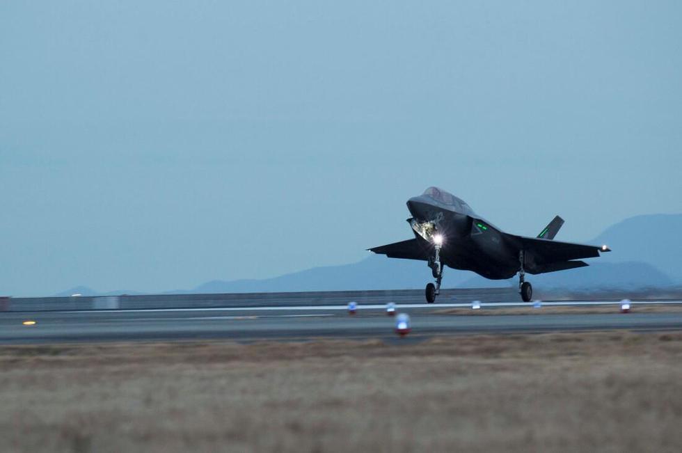 美媒:F35战机代表技术奇迹 但面对中国危险极大