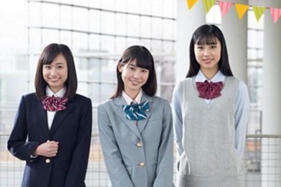 """日本举办""""第一制服女生""""大赛 高三学生夺冠"""