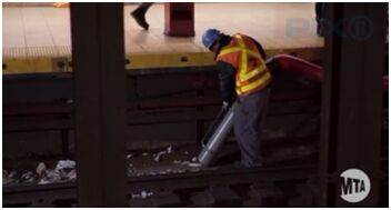纽约地铁运营部门将引入真空吸尘器处理轨道内垃圾