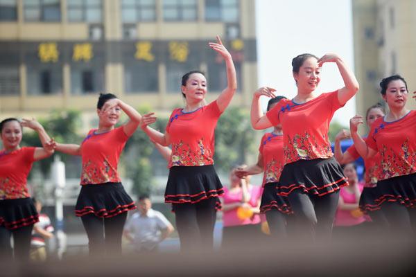 手机应用加入广场舞行列图片