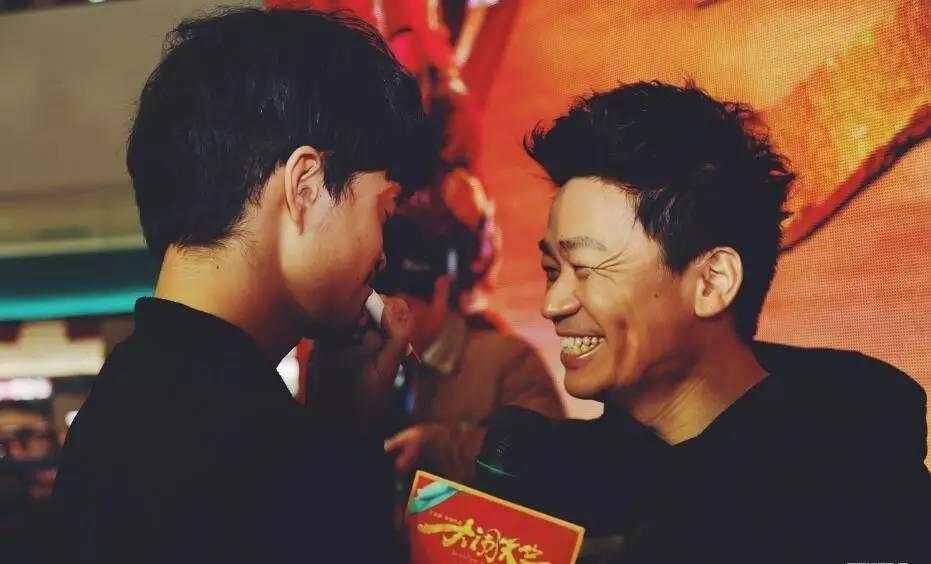 采访王宝强的时候,我差一点哭了,他真的很励志!