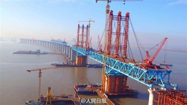 中国基建狂魔:11072米世界第一航道桥合龙