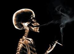 """中国控制吸烟协会会长:""""香烟作为礼品是最坏的选择"""""""