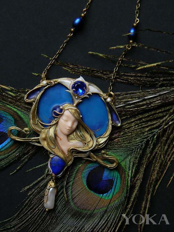俄罗斯神工艺 用粘土做的珠宝竟呈现出珐琅效果