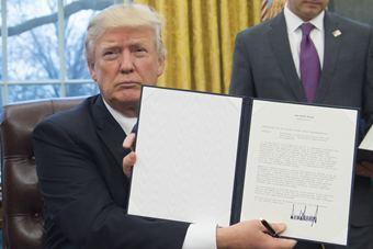 特朗普签署行政命令宣布美国退出TPP