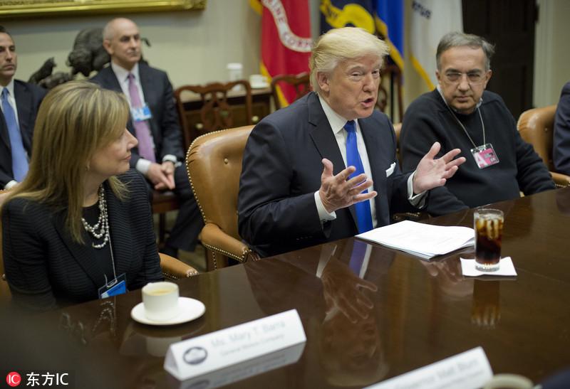 忙不停!美国总统特朗普在白宫会见数名汽车行业高管