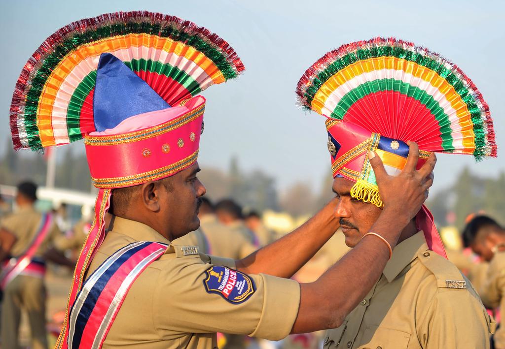 """印度举行""""共和国日""""阅兵彩排 士兵造型引注目"""