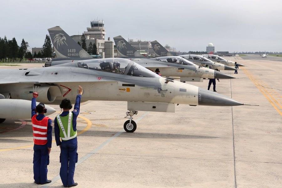 台军豪言自制隐形战机遭质疑 或成采购F35筹码