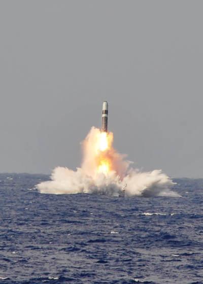 英媒:三叉戟导弹射偏原因在美国 美方下封口令