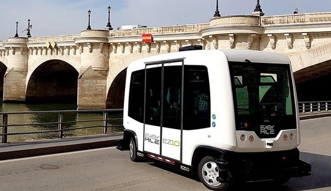 巴黎试行无人驾驶公交车 助改善交通及污染问题