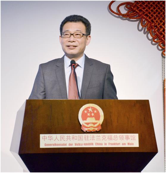 灵猴腾云去 金鸡报喜来--中国驻欧洲使领馆恭祝鸡年新春
