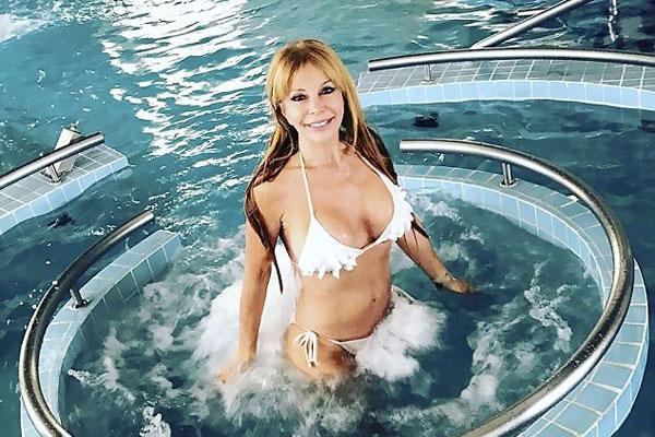 阿根廷64岁女星晒照秀傲人身材引网友惊叹