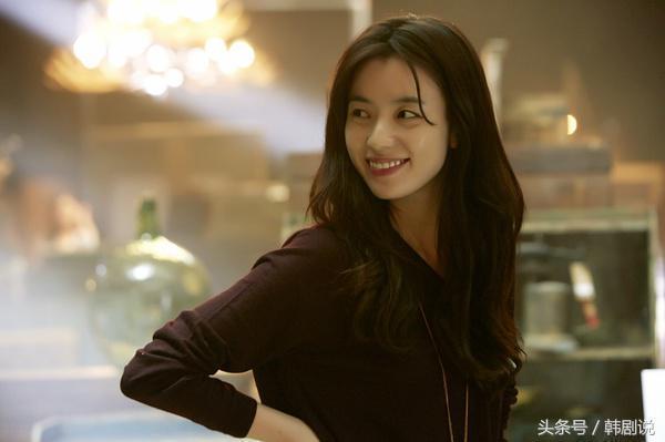 娱乐 滚动新闻 正文    在电影《绝密跟踪》里,韩孝周第一次剪了短发.图片
