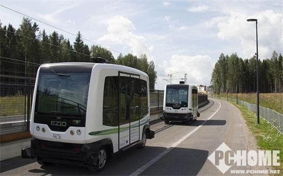 巴黎开始测试自动驾驶公交 可容纳12人