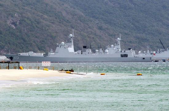 多艘052D及核潜艇云集南海