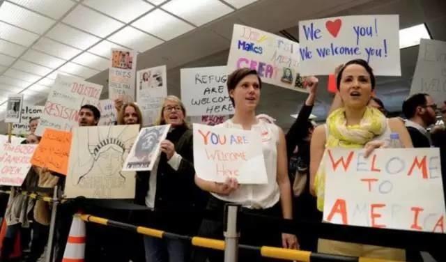 特朗普移民禁令四面楚歌:民众反对,硅谷反对,盟友反对,连星巴克和好莱坞也对着干!