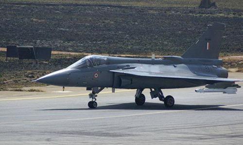 印度海军拒绝LCA战机上舰计划 欲全球采购舰载机