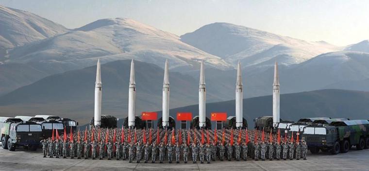 春节长假最后一天 火箭军部队开展反击作战演练