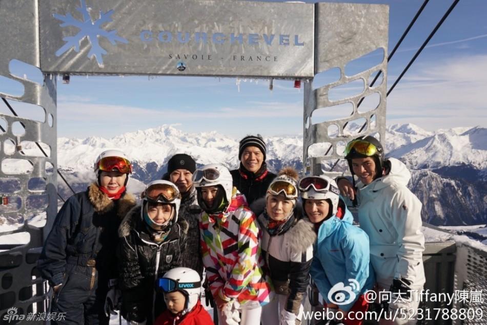 向太全家新年法国滑雪 其乐融融温馨有爱