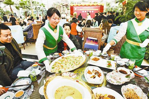 鸡年春节重庆餐饮业爆棚 酒店25天赚够一年钱