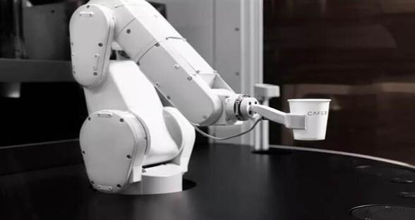 大学辍学生打造机器人咖啡厅 每分钟提供超100杯